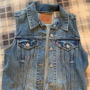 Levi's cutoff jacket